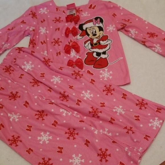 Disney NWT Size 4T Pink Minnie Mouse 2 Piece Pajamas Christmas Snowflake Button